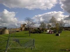 Château fort, actuellement collège -  Calvados Falaise Chateau Guillaume Le Conquerant Basse-Cour Animations 23042016