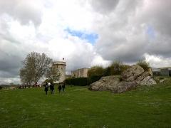 Château fort, actuellement collège -  Calvados Falaise Chateau Guillaume Le Conquerant Basse-Cour Donjon 23042016