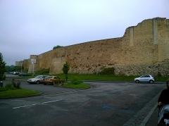 Château fort, actuellement collège -  Calvados Falaise Le Chateau De Guillaume Rempart Sud 06062016
