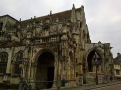 Eglise de la Trinité -  Calvados Falaise Eglise Trinite Porche Ouest Proue 25012015