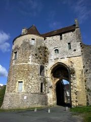 Vestiges de l'enceinte fortifiée -  Falaise Porte Des Cordeliers 23042016