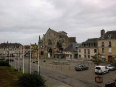 Place Guillaume-le-Conquérant -  Calvados Falaise Place Guillaume Conquerant 25012015