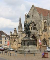 Place Guillaume-le-Conquérant -  Statue of Guillaume le Conquérant in Falaise