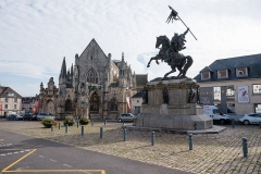 Place Guillaume-le-Conquérant - English: Statue of Guillaume le Conquérant in Falaise, in front of the castle and town hall. Taken 2017-09-27