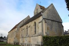 Eglise de Bray-en-Cinglay - Français:   église de Bray-en-Cinglay vue du chevet  (#100WikiCommonsDays day 24)