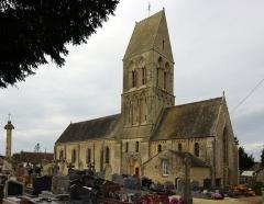 Eglise - Français:   L\'église Saint-Martin à Formigny, Calvados.