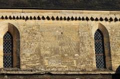 Eglise - Français:   Cadran solaire sur la façade de l\'église Saint-Martin de Langrune-sur-Mer (Calvados)