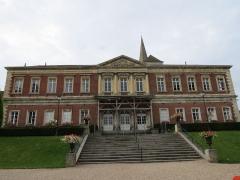 Ancien palais épiscopal, actuellement palais de justice - Français:   Ancien palais épiscopal vue depuis les anciens jardins épiscopaux.