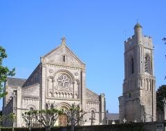 Ancienne église - Français:   Luc-sur-Mer (Normandie, France). L\'église Saint-Quentin.