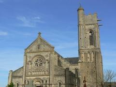 Ancienne église -  Paroisse st regnobert, église saint Quentin (XIIe siècle) luc sur mer