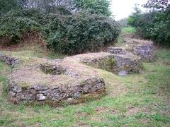 Ancienne abbaye - Français:   Le Plessis-Grimoult (Normandie, France). Le jardin fortifié.