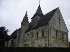 Eglise - Français:   façade sud et chevet de l\'église St Pierre