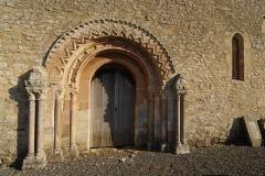 Eglise d'Aizy - Français:   Porte de la chapelle d\'Aizy, commune de Soumont-Saint-Quentin 14.
