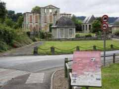 Château d'Harcourt - English: Central Pavilion of Castle Thury-Harcourt