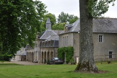 Château de Vaussieux - Deutsch: Schloss Vaussieux in Vaux-sur-Seulles, Calvados, Normandie; Vorburg