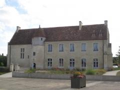 Ancien manoir de l'abbaye du Mont-Saint-Michel, dit Ferme de la Baronnerie - Français:   Manoir du Domaine de la Baronnie de Bretteville-sur-Odon (14), côté cour