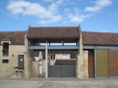 Ancien manoir de l'abbaye du Mont-Saint-Michel, dit Ferme de la Baronnerie - Français:   Porterie du Domaine de la Baronnie de Bretteville-sur-Odon (Calvados, France)