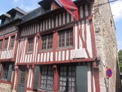 Trois maisons dites maison natale d'Erik Satie - English: Birthplace of Erik Satie