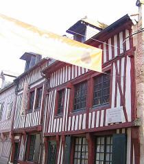 Trois maisons dites maison natale d'Erik Satie -