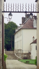 Château de Tavannes - Français:   Le château de Tavannes depuis l\'entrée nord