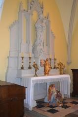 Eglise - English: A Secondary Altar