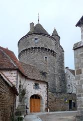 Tour de la Motte-Forte - Français:   La Tour de la Motte-Forte à Arnay-le-Duc.