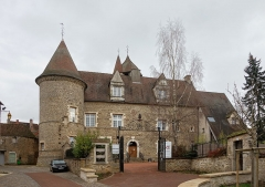 Tour de la Motte-Forte - Français:   Le Château d\'Arnay-le-Duc.