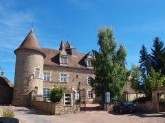 Tour de la Motte-Forte - Français:   Arnay-le-Duc (Côte d\'Or, France); château Condé