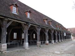 Arsenal - English: Auxonne,  Burgundy, FRANCE