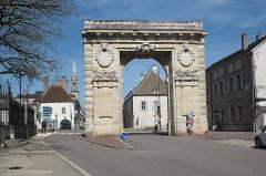 Porte Saint-Nicolas - Deutsch: Porte Saint-Nicolas in Beaune im Département Côte-d'Or (Bourgogne-Franche-Comté/Frankreich)