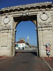 Porte Saint-Nicolas - English: Porte St. Nicolas in Beaune, Burgundy, France