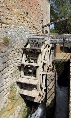 Domaine des anciennes forges - Nederlands: Buffon (departement Côte-d'Or, Frankrijk): de Forges de Buffon - detail: waterrad