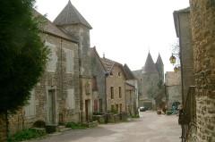 Maison du 16e siècle dite de Saint-Georges - English: Chateauneuf, Bourgogne, France