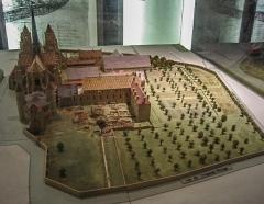 Ancienne abbaye Saint-Bénigne - Français:   Maquette de l\'ancienne abbaye Saint-Bénigne de Dijon au musée archéologique de Dijon