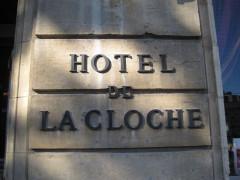 Hôtel de la Cloche - Français:   Place Darcy