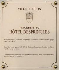 Ancien Hôtel de l'Académie de Dijon ou hôtel Despringles -  Plaque d'information trilingue (français, anglais et allemand) de l'hôtel Despringles, à Dijon.