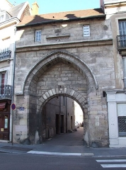 Porte dite de l'Ancien Evêché - English: Dijon, Burgundy, France