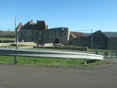 Château d'Eguilly - English: The castle of Eguilly seen from the on French highway A6.