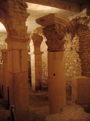 Ancienne abbatiale Saint-Pierre de Flavigny -  Bourgogne Flavigny Crypte Merovingienne 15072009