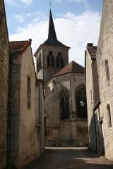 Eglise Saint-Genest - Flavigny-sur-Ozerain Eglise Saint Genest vue de l'abside