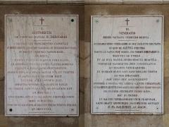 Couvent et Basilique Saint-Bernard - Plaques I et II en latin pour le souvenir de Saint-Bernard sur la basilique de Fontaine-lès-Dijon