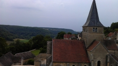 Château - Français:   Vue aérienne du clocher de l\'église de Frôlois, prise depuis la cour nord du château.