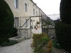 Château - Français:   Vue depuis la terrasse est de la façade nord du château de Frôlois.