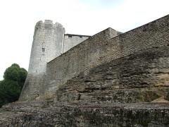 Château - English: Mont-Saint-Jean castle,  Burgundy, FRANCE