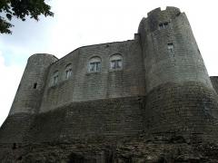 Château - English: Mont-Saint-Jean castle,  Burgundy, France.