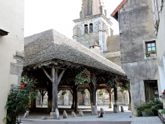 Halle aux grains - English: Old market hall