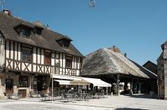 Halle aux grains - Deutsch: Markthalle in Nolay im Département Côte-d'Or (Bourgogne-Franche-Comté/Frankreich)