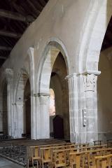 Eglise Saint-Georges - Deutsch: Katholische Pfarrkirche Notre-Dame-de-la-Nativité, früher Saint-Georges, in La Rochepot im Département Côte-d'Or (Bourgogne-Franche-Comté/Frankreich), Innenraum