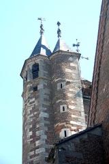 Eglise - Deutsch: St.-Jean-Baptiste, Glockenturm von SW