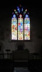 Eglise - Français:   Eglise de Savoisy (Côte-d\'Or): verrière